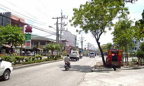 Quezon_Boulevard_Davao-c